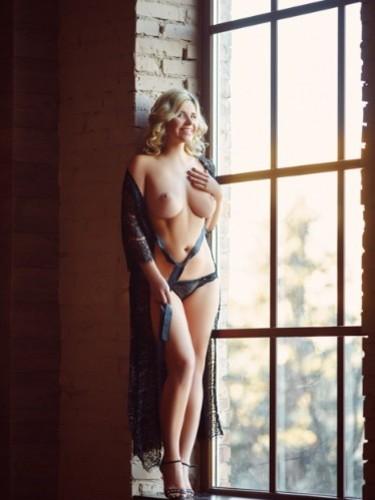 Sex ad by kinky MILF escort Ella (32) in München - Foto: 2
