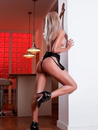 Sex ad by kinky MILF escort Angel (38) in London - Photo: 4