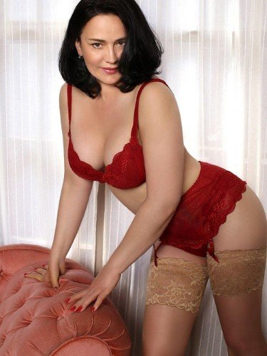 Sex ad by kinky MILF escort Alexandra (38) in London - Photo: 1