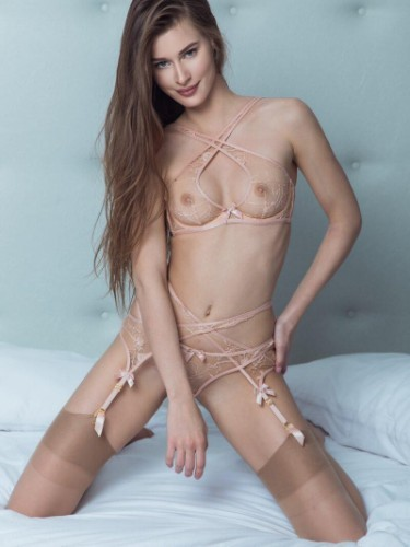 Sex ad by kinky escort Antonina (20) in London - Photo: 3