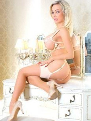Sex ad by kinky escort Chessie Kay (24) in London - Photo: 6
