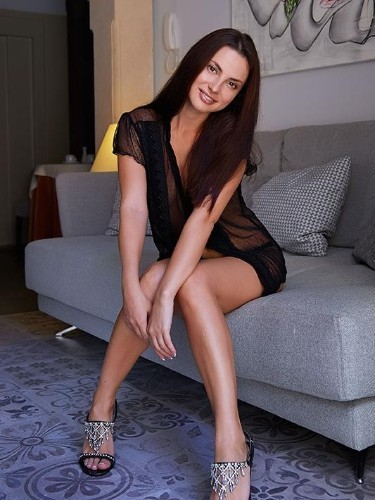 Liana (23) в Санкт-Петербург эскорт - Фото: 1