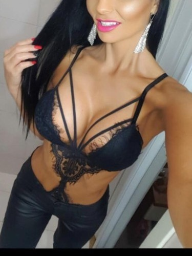 Sex ad by kinky Mira (25) in Larnaca - Photo: 2