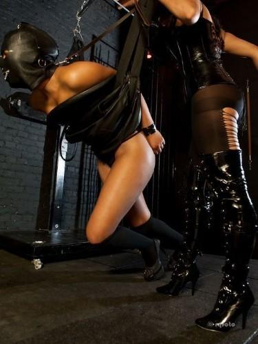 Fetish Mistress Kali in Bergen op Zoom, Nederland - Foto: 2