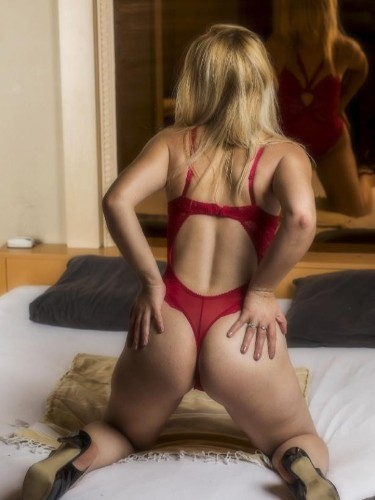 Sexcub Noblesse in Haps - Foto: 2 - Elvira