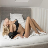 Girls Company - Escortbureaus in Beekbergen - Elena
