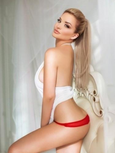 Karolina (23) в Санкт-Петербург эскорт - Фото: 7