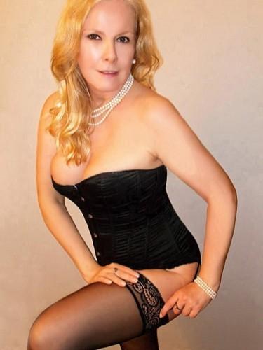 Sex ad by MILF escort Lena (42) in Berlin - Foto: 1