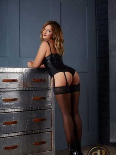 Sex ad by kinky escort Dolly (23) in London - Photo: 7