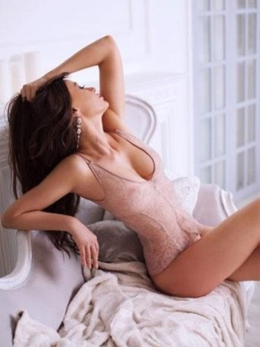 Sex ad by escort Chloe (25) in London - Photo: 4