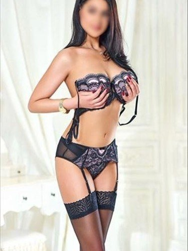 Escort agency Amsterdam Confidential in Nederland - Foto: 2 - Roxy