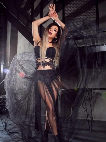 Sex ad by kinky escort shemale Diana (22) in London - Photo: 1