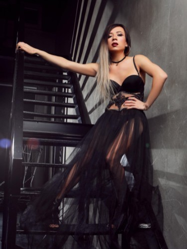 Sex ad by kinky escort shemale Diana (22) in London - Photo: 3