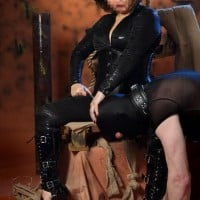 Domination Palace - Sex Clubs - Meesteres Samantha