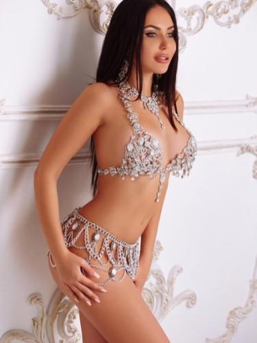 Sex ad by kinky escort Karolina (19) in Dubai - Photo: 5