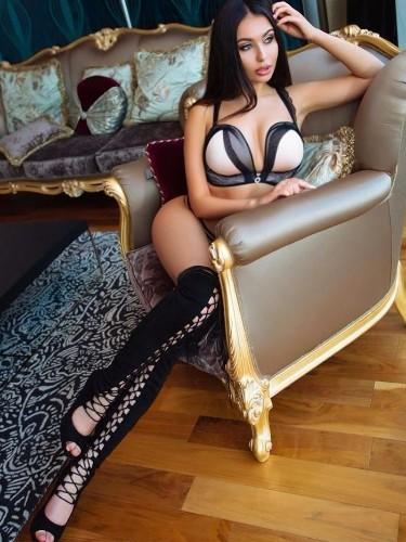 Sex ad by kinky escort Karolina (19) in Dubai - Photo: 6