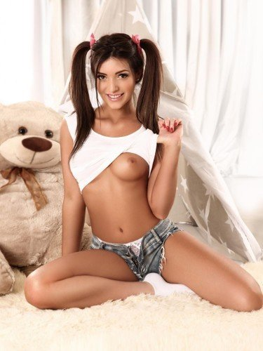 Sex ad by escort Giselle (18) in London - Photo: 5