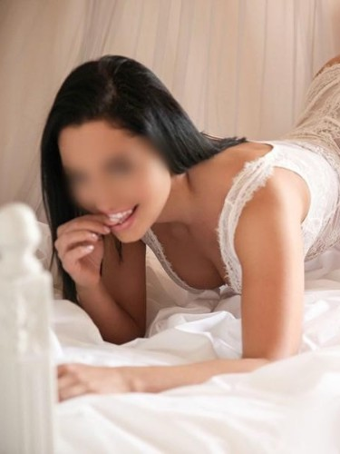 Vanessa (22) Teen Escort Babe in Prague - Photo: 2