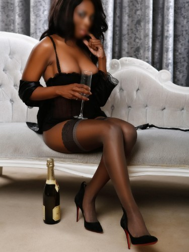 Sex ad by kinky escort Ultrachiceva (28) in London - Photo: 4