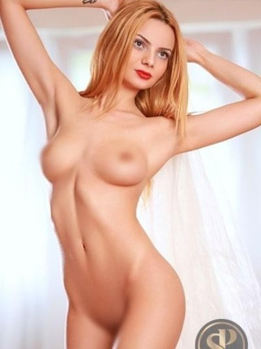 Sex ad by escort Charlotte (21) in London - Photo: 5
