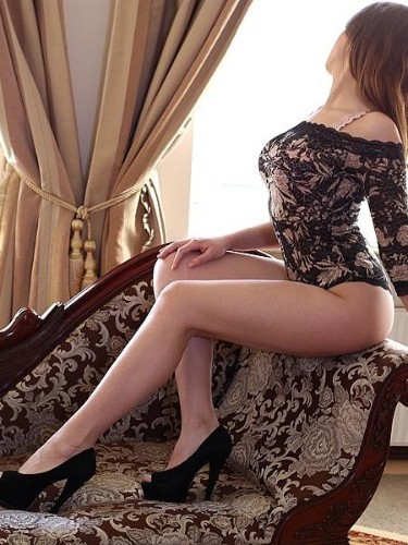 Nadya (21) в Санкт-Петербург эскорт - Фото: 4