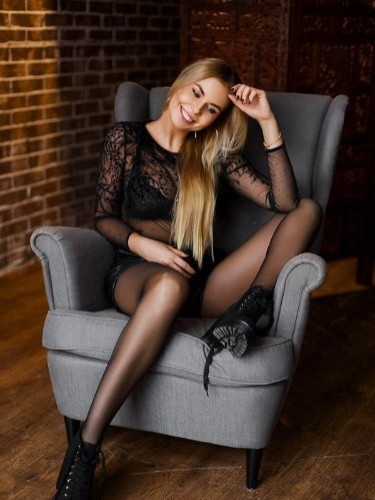 Lena (26) в Санкт-Петербург эскорт - Фото: 3