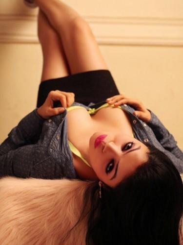 Escort agency Abu Dhabi Escorts Agency in Abu Dhabi - Photo: 21 - Miss Heena