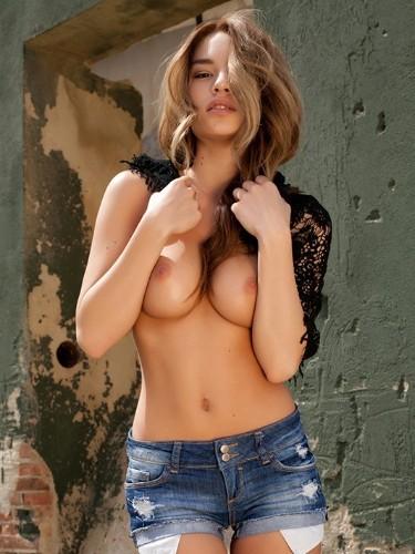 Olga (25) в Санкт-Петербург эскорт - Фото: 1
