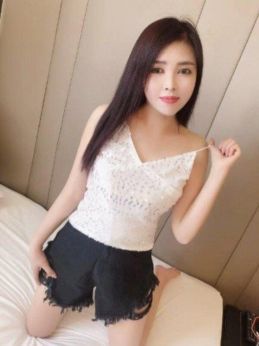 Sex ad by kinky escort Sandy (22) in Abu Dhabi - Photo: 1