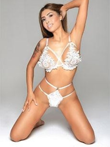 Sex ad by kinky escort Reina (23) in London - Photo: 6