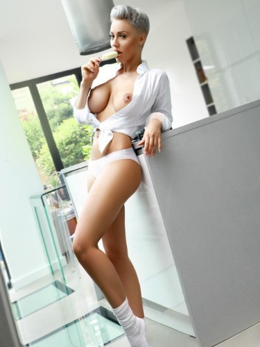 Sex ad by escort Neona (26) in London - Photo: 6