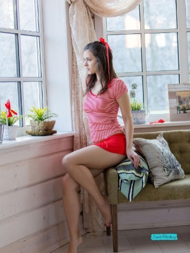Kristi (19) в Санкт-Петербург эскорт - Фото: 1