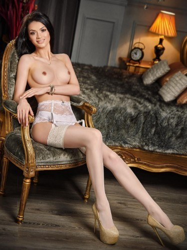 Sex ad by kinky escort Loria (21) in London - Photo: 7