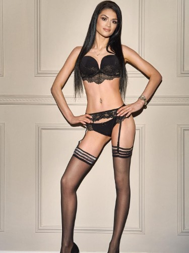 Sex ad by kinky escort Loria (21) in London - Photo: 2
