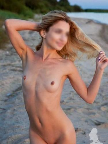 Charlie (22) Teen Escort Babe in Ibiza - Photo: 4