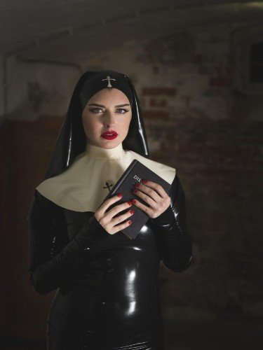 Sex ad by kinky Mistress Bella Lugosi (30) in Berlin - Foto: 4