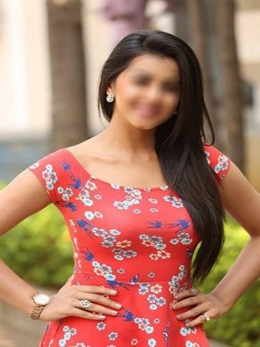 Sex ad by escort Taniya Roy (22) in Dubai - Photo: 1