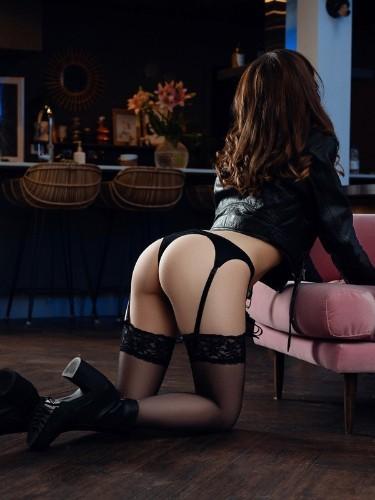 Sex ad by kinky escort Laura Harris (20) in London - Photo: 6