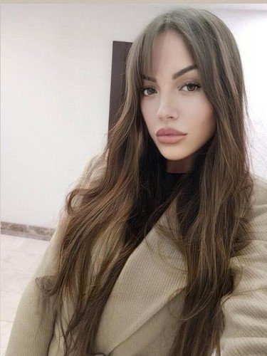 Niusha (24) Fetish Teen Escort Babe in Istanbul - Photo: 2