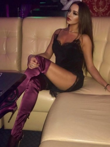 Niusha (24) Fetish Teen Escort Babe in Istanbul - Photo: 7