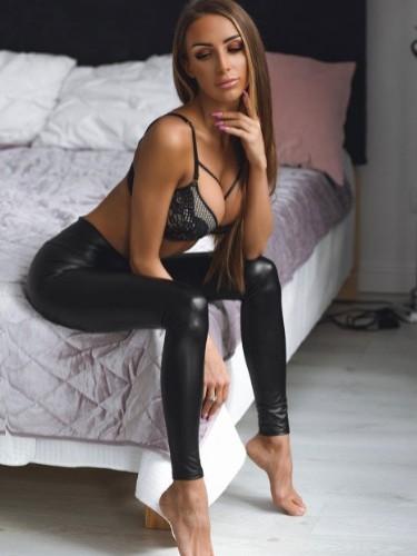 Vika (22) в Санкт-Петербург кинки эскорт - Фото: 3