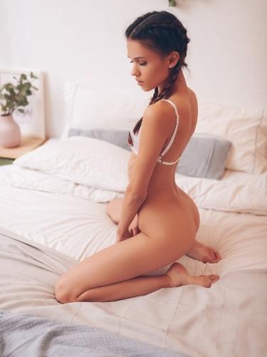 Polina (18) в Москва эскорт - Фото: 3