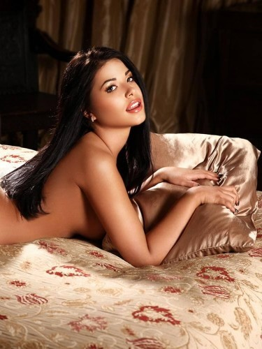 Sex ad by kinky escort Alessia (21) in London - Photo: 5