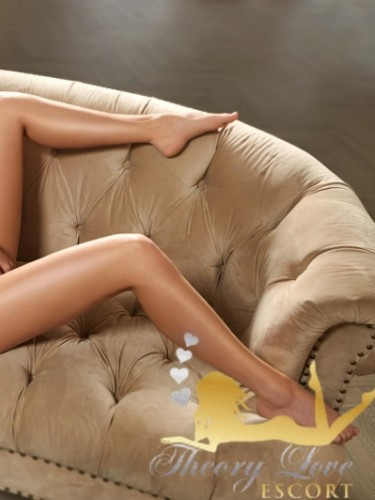 Sex ad by kinky escort Cezy (21) in London - Photo: 7