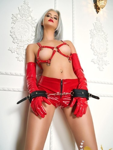 Sex ad by kinky escort Cezy (21) in London - Photo: 6