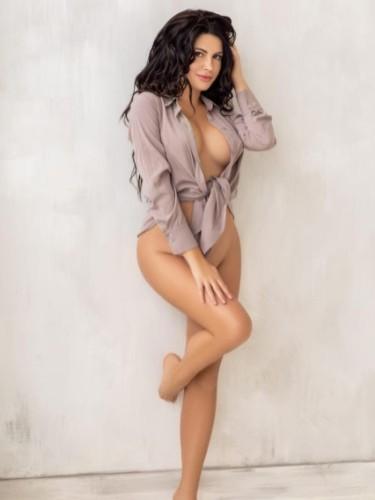 Sex ad by kinky escort Julia (22) in Dubai - Photo: 3