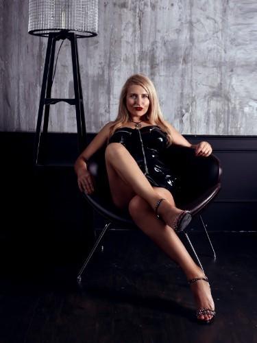 Sex ad by kinky pornstar escort Helene Nuar (30) in Dubai - Foto: 6