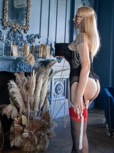 Sex ad by kinky pornstar escort Helene Nuar (30) in Dubai - Foto: 4