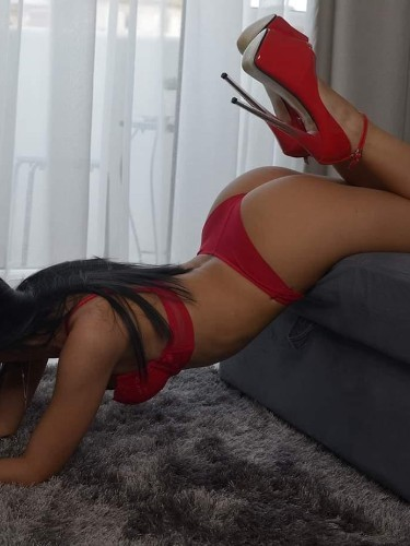 Sex ad by kinky escort Bella (21) in London - Photo: 5