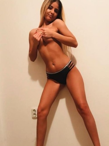 Sex ad by kinky escort Ramona (19) in London - Photo: 5